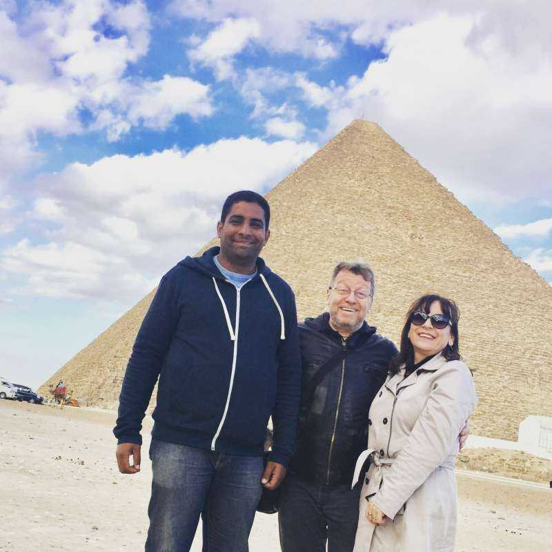 Tour to pyramids and the Egyptian museum