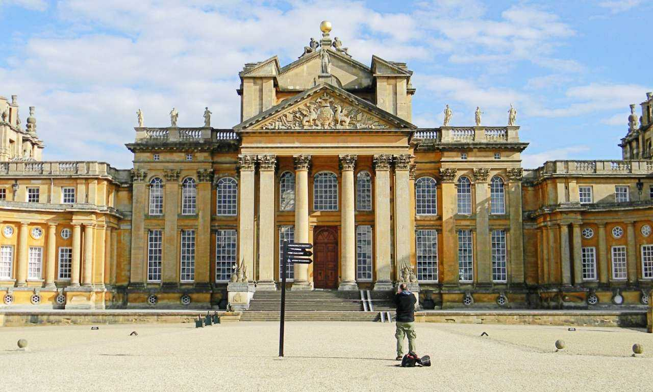 Blenheim Palace and The Cotswolds Small Group Tour w/ Lunch
