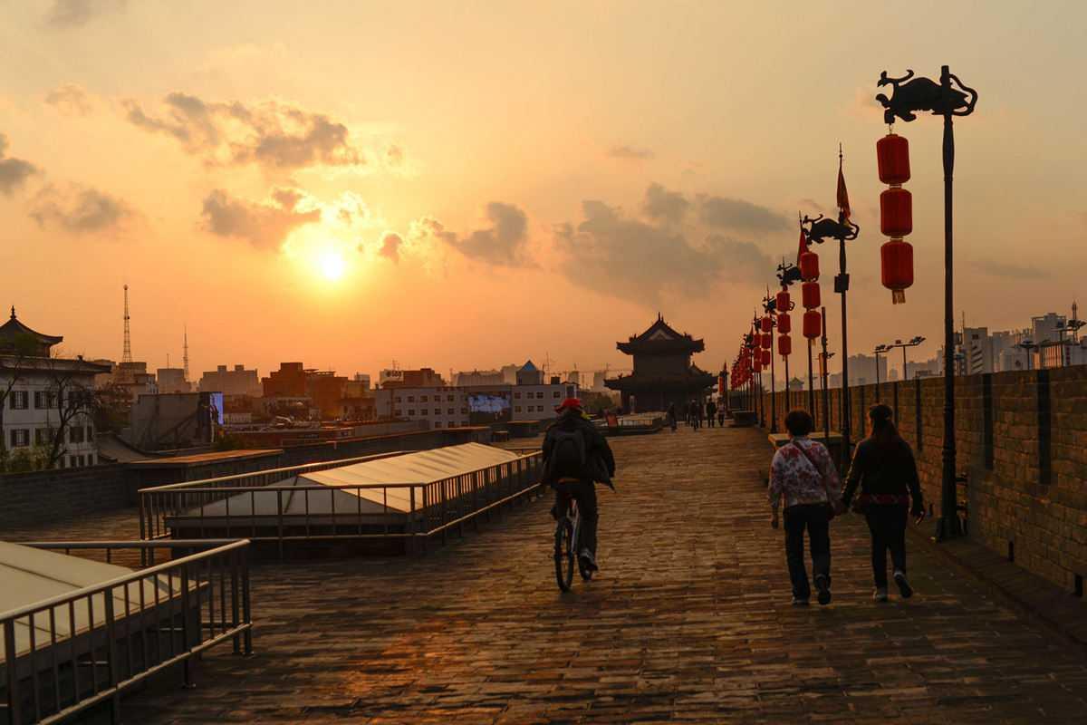 Xian Small Group Tour: 2-hour Walking Tour to City Wall