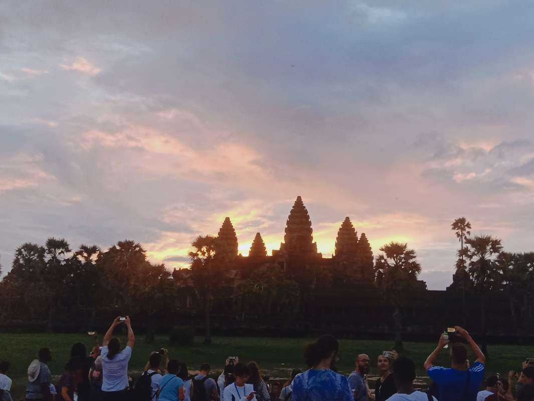 Angkor Sunrise Day Trip - Khmer Culture & Architecture